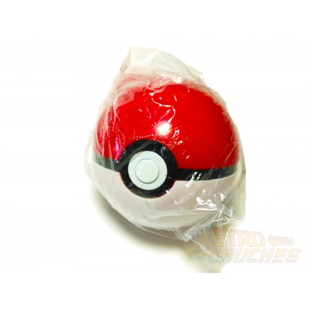 Pokeball con figura de pokemon en el interior